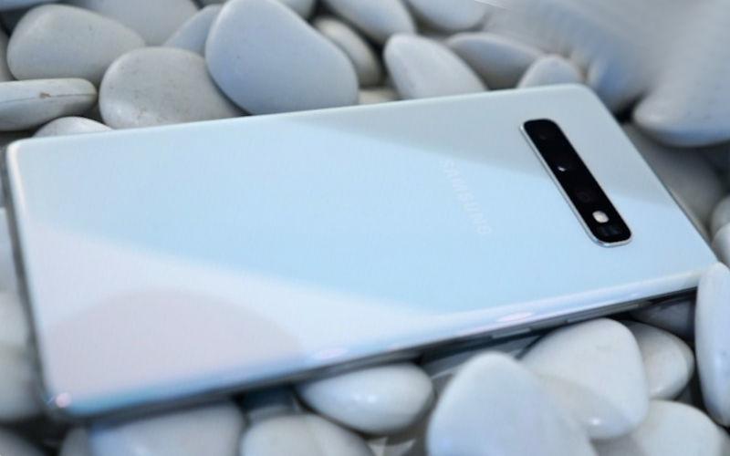 телефон Samsung-Galaxy S10 Plus