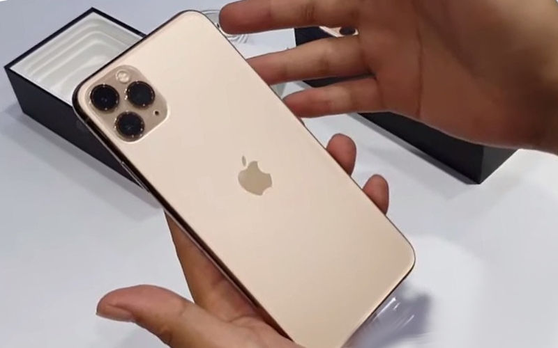 Телефон Apple iPhone 11 Pro Max