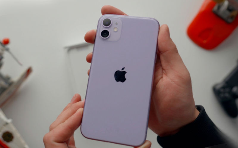 телефон Apple iPhone 11