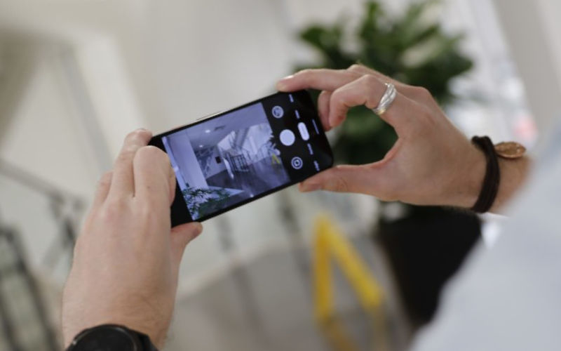 телефон Google Pixel 4