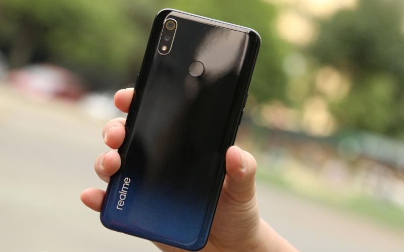 Смартфон Realmi 3