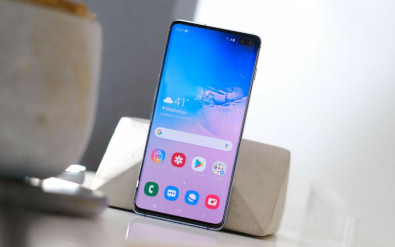 Смартфон Samsung Galaxy S10 Plus
