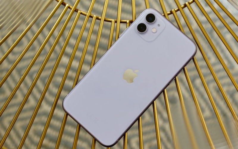 Смартфон iPhone11