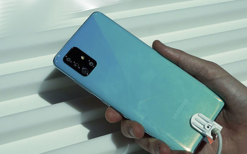 Телефон Samsung Galaxy A71