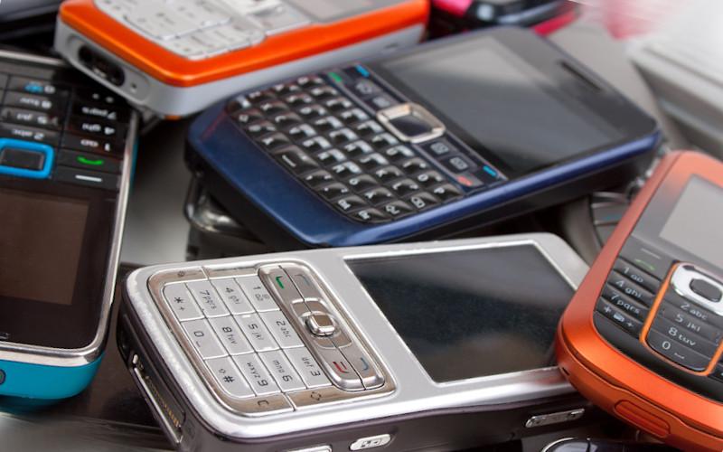 Какой кнопочный телефон лучше купить в 2020 году?