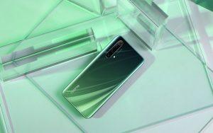 В Европе начались продажи Realme X50 5G с квадрокамерой и 120-Гц экраном