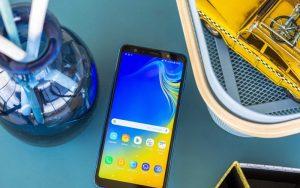 В России появился самый дешевый смартфон Samsung