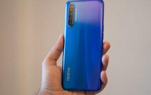 Realme привезла в Россию недорогой смартфон С15 с огромной батареей и быстрой зарядкой