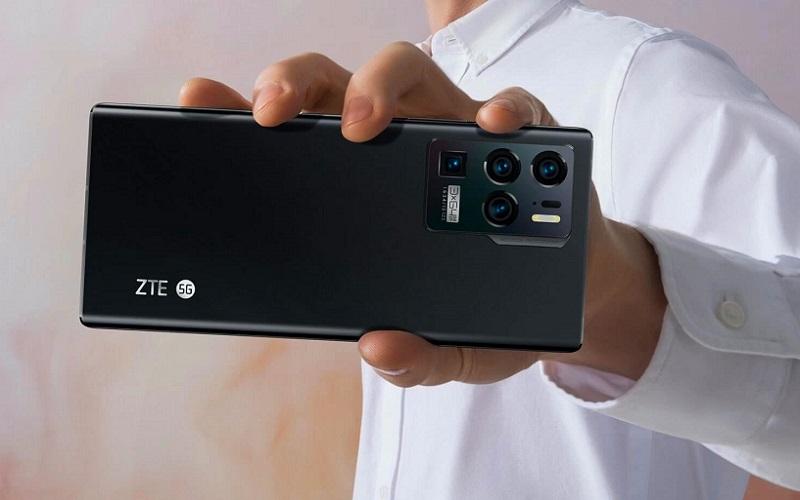 ZTE показала камерофон Axon 30 Ultra с тремя 64-Мп камерами