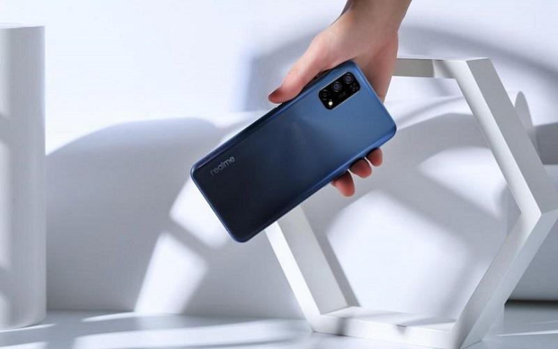 Realme оценила смартфон V13 с экраном 90 Гц и мощной батареей в $243