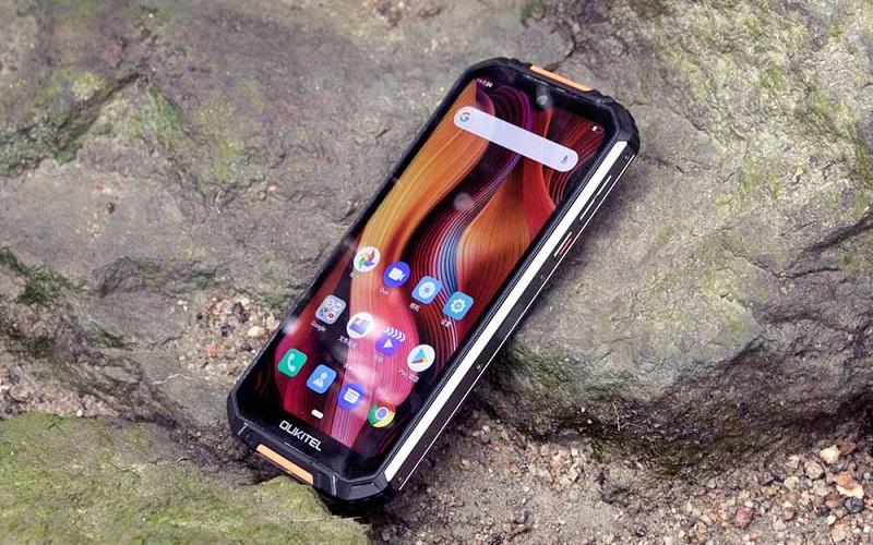 Oukitel показала смартфон-долгожитель WP15 5G с аккумулятором на 15600 мАч