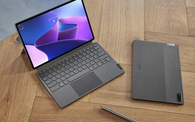 Lenovo выпустила флагманский планшет Tab P12 Pro с OLED-экраном и стилусом